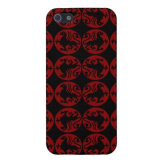 Modelo de la silueta de Gryphon - rojo y negro iPhone 5 Protectores