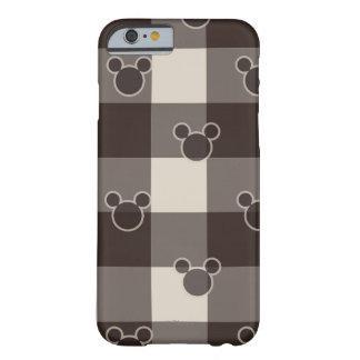 Modelo de la tela escocesa de Mickey Brown Funda De iPhone 6 Barely There
