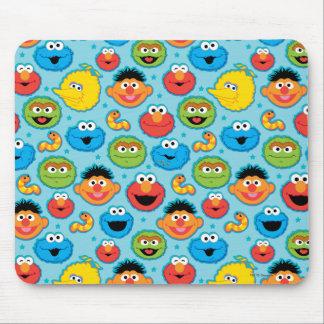 Modelo de las caras del Sesame Street en azul Tapetes De Ratones