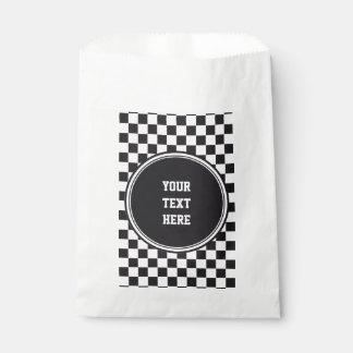 Modelo de las carreras de coches/del ajedrez + su bolsa de papel