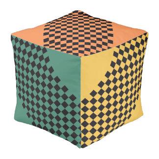 Modelo de las carreras de coches/del ajedrez + su puff cuadrado