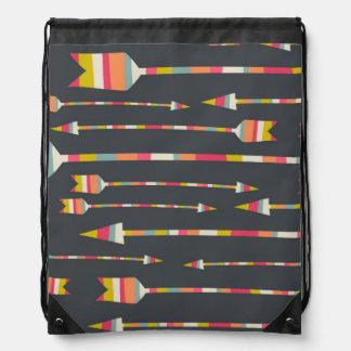 Modelo de las flechas del arco iris mochila