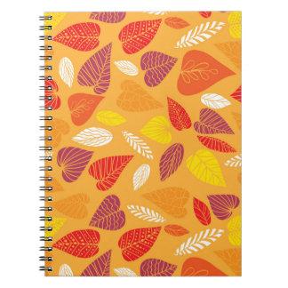 Modelo de las hojas de otoño cuaderno