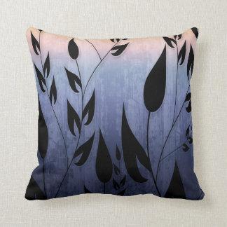 Modelo de las hojas y de las vides almohada