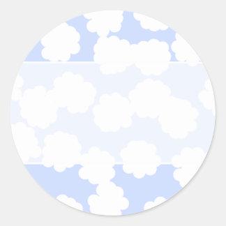 Modelo de las nubes del blanco y del azul de cielo etiqueta