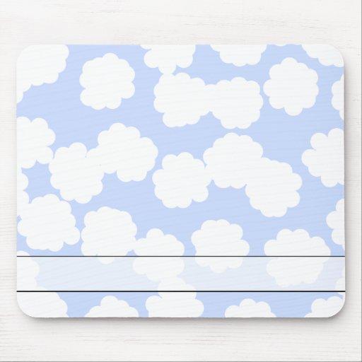 Modelo de las nubes del blanco y del azul de cielo alfombrillas de ratón