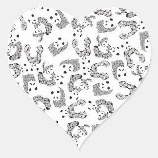 Modelo de las pandas del baile de la diversión pegatina en forma de corazón
