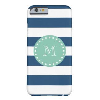 Modelo de las rayas de azules marinos, monograma funda para iPhone 6 barely there