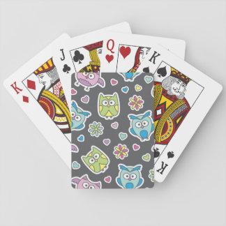 modelo de los búhos del dibujo animado baraja de cartas
