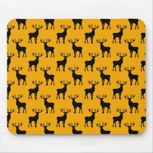 Modelo de los ciervos del macho en amarillo brilla alfombrilla de raton