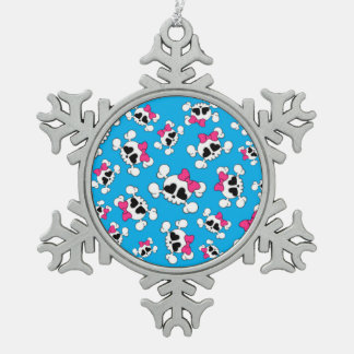 Modelo de los cráneos y de los arcos del azul de adorno de peltre en forma de copo de nieve