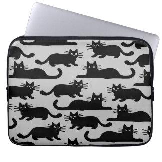 Modelo de los gatos negros fundas portátiles