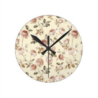Modelo de los rosas del vintage reloj redondo mediano
