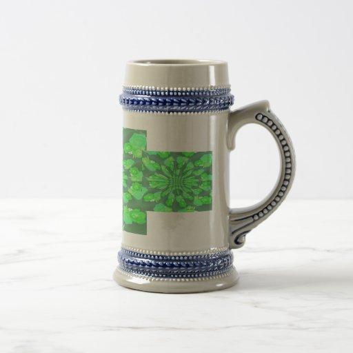 Modelo de los rosas verdes taza de café
