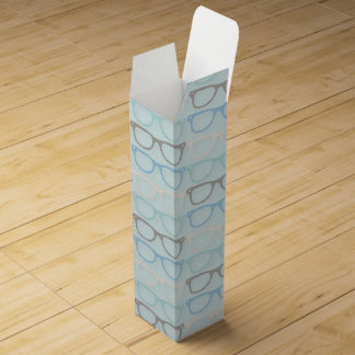 Modelo de los vidrios de lectura de la diversión caja de vino
