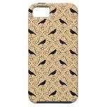 Modelo de lujo con los cuervos. Negro y beige iPhone 5 Case-Mate Coberturas