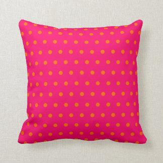 Modelo de lunar anaranjado rosado cojín