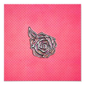 Modelo de lunar floral femenino lindo rosado fotografía