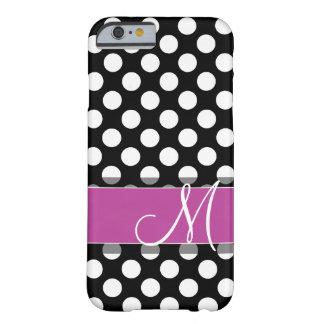 Modelo de lunar rosado y negro con el monograma funda de iPhone 6 barely there