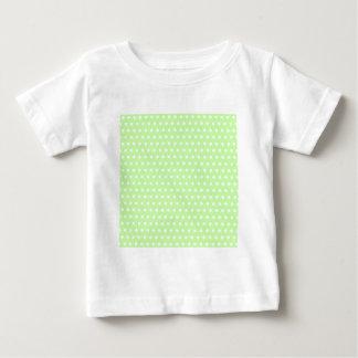 Modelo de lunar verde y blanco. Manchado Playera De Bebé