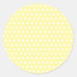 Modelo de lunares amarillo. Manchado Etiquetas Redondas