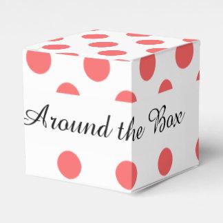 Modelo de lunares blanco coralino cajas para regalos de boda