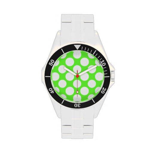 Modelo de lunares blanco de la verde lima moderna relojes