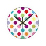 Modelo de lunares colorido relojes