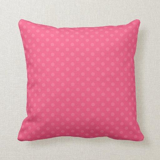Modelo de lunares rosado cojin