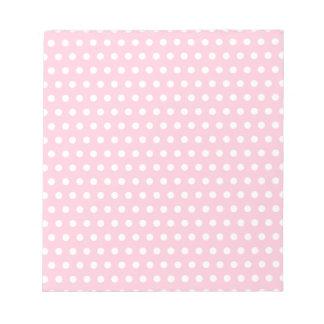 Modelo de lunares rosado y blanco bloc de papel