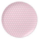 Modelo de lunares rosado y blanco plato