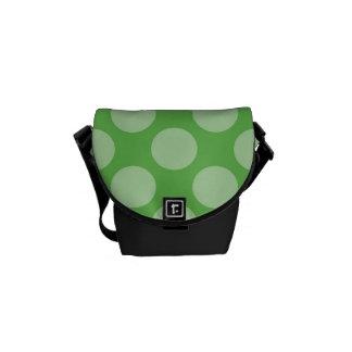 Modelo de lunares verde de moda de la diversión en bolsa de mensajería