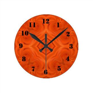 Modelo de madera anaranjado moderno reloj redondo mediano