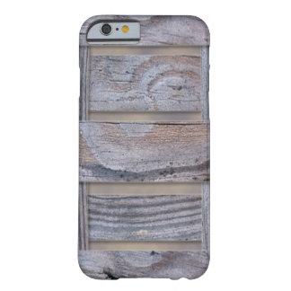 Modelo de madera rústico de la textura funda de iPhone 6 barely there