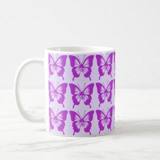 Modelo de mariposa púrpura taza de café