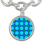 Modelo de moda colorido del círculo pulseras