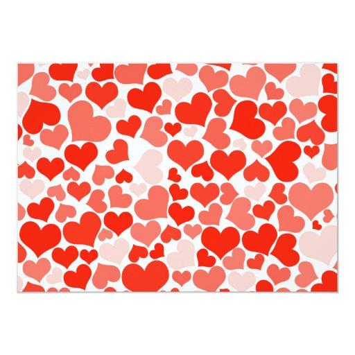 Modelo de moda de los corazones blancos rojos invitación 12,7 x 17,8 cm