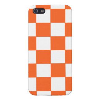 Modelo de moda del tablero de damas del naranja y  iPhone 5 funda