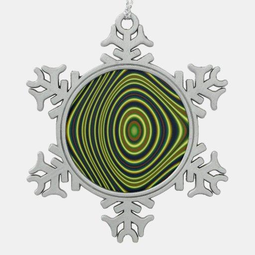 modelo de moda multicolor adorno de peltre en forma de copo de nieve