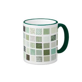 Modelo de mosaico verde del edredón tazas de café