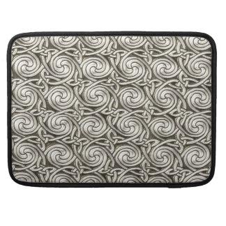Modelo de nudos espiral céltico de plata brillante funda macbook pro