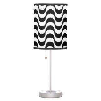 modelo de ondas del zigzag del copacabana lámpara de mesa