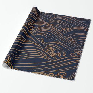 Modelo de ondas japonés azul marino y oro papel de regalo