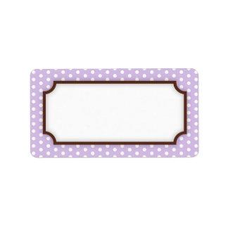 Modelo de puntos púrpura pálido en blanco elegante etiqueta de dirección