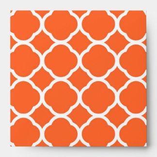 Modelo de Quatrefoil en mandarina y blanco Sobre