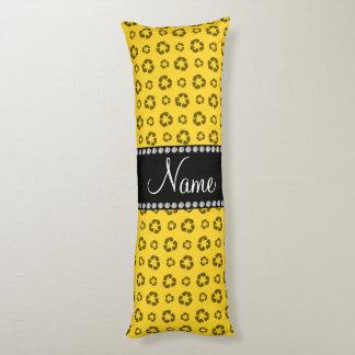 Modelo de reciclaje amarillo conocido cojin cama