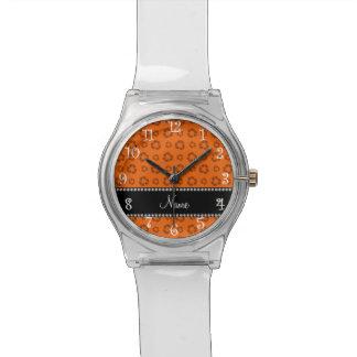 Modelo de reciclaje anaranjado conocido relojes de mano