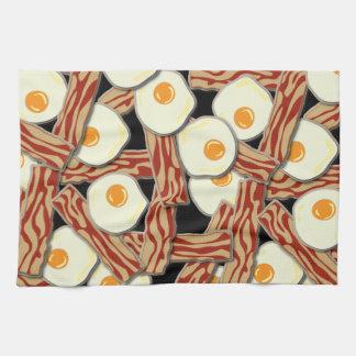 Modelo de tocino y de los huevos toalla de cocina