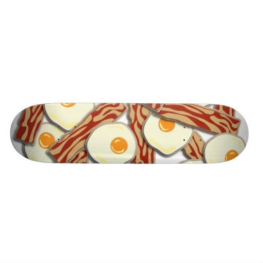 Modelo de tocino y de los huevos monopatines personalizados