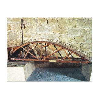 Modelo de un puente de oscilación lienzo envuelto para galerías